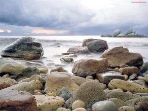 Postal: Bruma entre las piedras