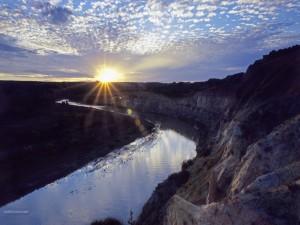 Postal: Río hacia el Sol