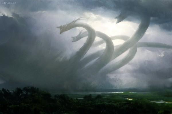Hidra enfurecida bajo la tormenta