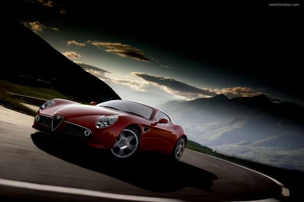 Alfa Romeo rojo deportivo