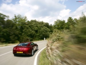 Postal: Cogiendo la curva con velocidad