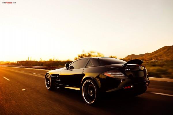 Mercedes SLR negro