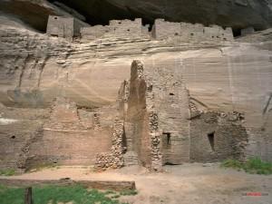 Postal: Antiguas ruinas de piedra