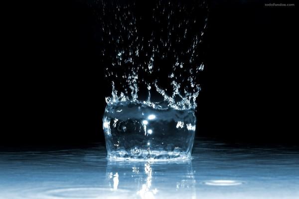 Impacto de una gota de agua