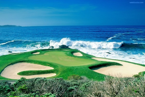 Campo de golf al borde del mar
