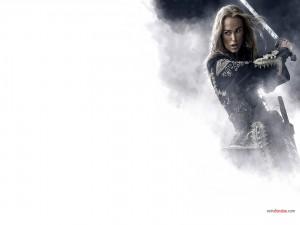 Postal: Princesa empuñando la espada