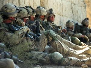 Soldados descansando