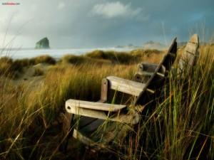 Postal: Sillas en la playa