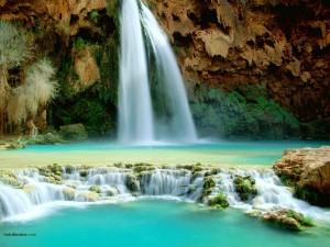 Aguas verde azuladas