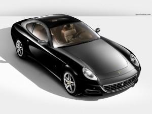 Ferrari negro