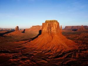 Postal: Torres de piedra en el desierto