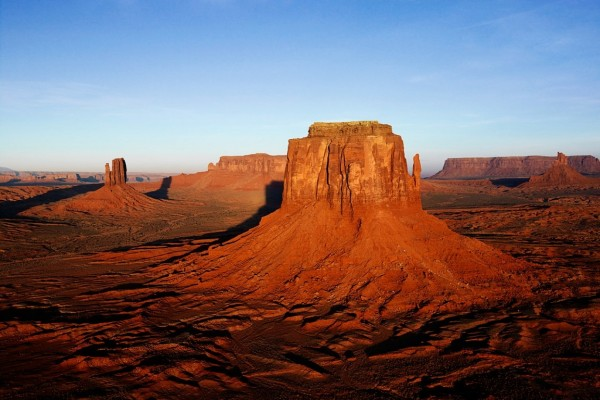 Torres de piedra en el desierto