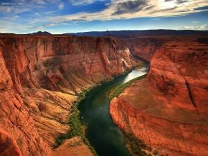 Postal: Río surcando el Cañón del Colorado