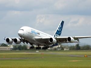 Airbus A380 despegando