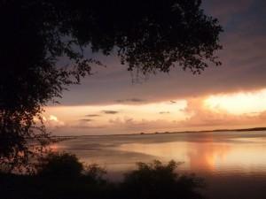 Postal: Atardecer nublado