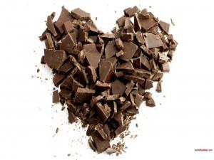 Postal: Corazón de trocitos de chocolate