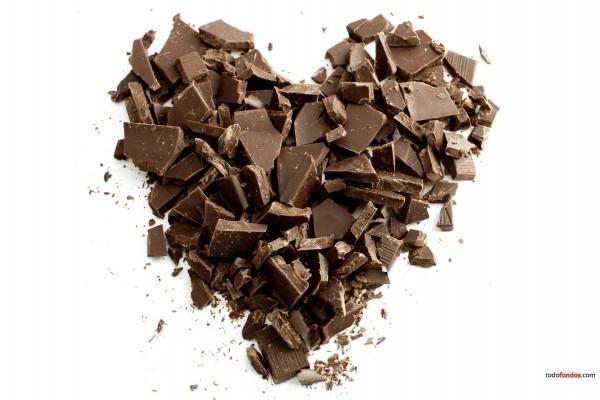 Corazón de trocitos de chocolate