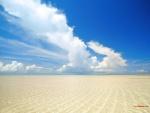Playa de poca profundidad y aguas transparentes