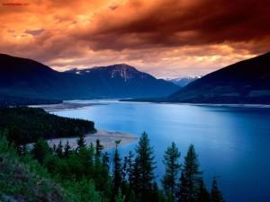 Postal: Lago azul intenso