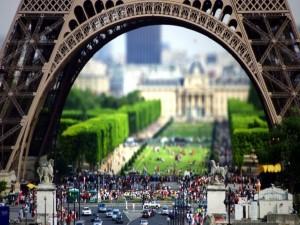 Bajo la Torre Eiffel