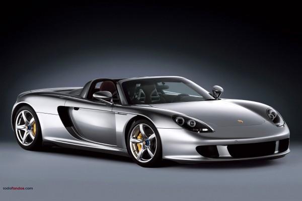Ferrari plateado