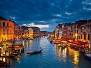 Tarde-noche en Venecia