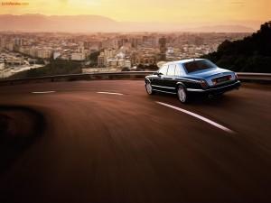 Postal: Bentley, de camino a la ciudad