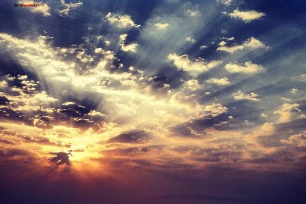 Nubes filtrando la luz del sol