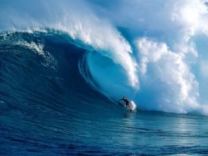 Postal: Bajo la gran ola