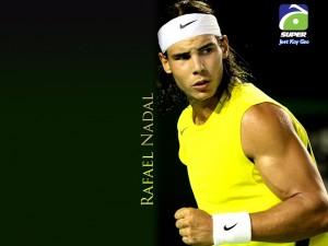 Rafael Nadal con camiseta amarilla