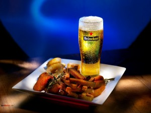 Postal: Tu Heineken con un aperitivo