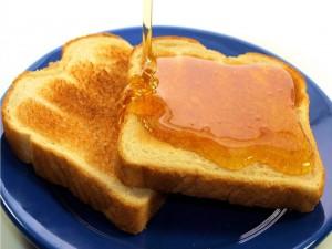 Tostadas de pan con miel