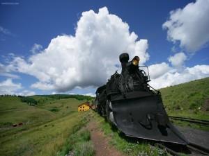 Postal: Tren antiguo impulsado por vapor