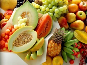 Exposición de frutas variadas