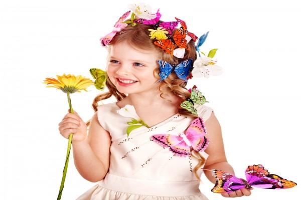 Niña bonita, reina de las mariposas