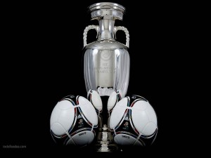 Postal: Copa UEFA Euro 2012 y balones Tango-12