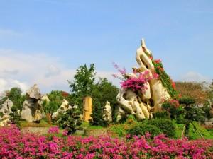 """Parque temático """"Edad de Piedra"""" en Pattaya (Tailandia)"""