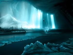 Barco crucero navegando entre el hielo