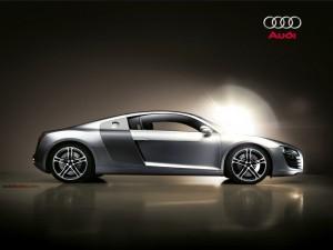 Postal: Audi R8 plateado