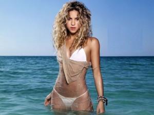 Postal: Shakira en el mar