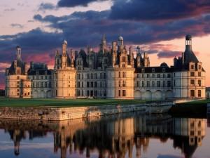 Postal: El Castillo Real de Chambord, en Francia