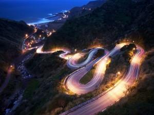 Postal: Carretera serpenteante