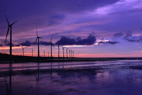 Molinos de viento al atardecer