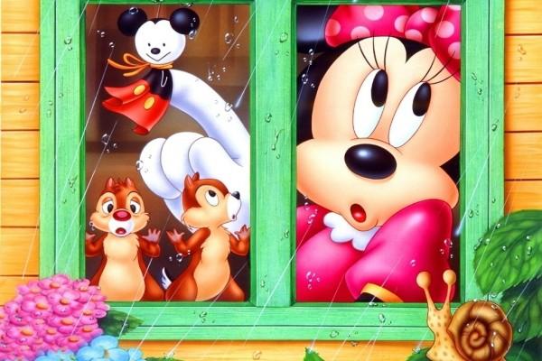 Minnie y sus amigos mirando por la ventana