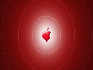 Postal: Corazón rojo de Apple