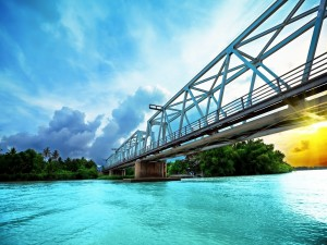 Postal: Puente del ferrocarril (Nha Trang, Vietnam)
