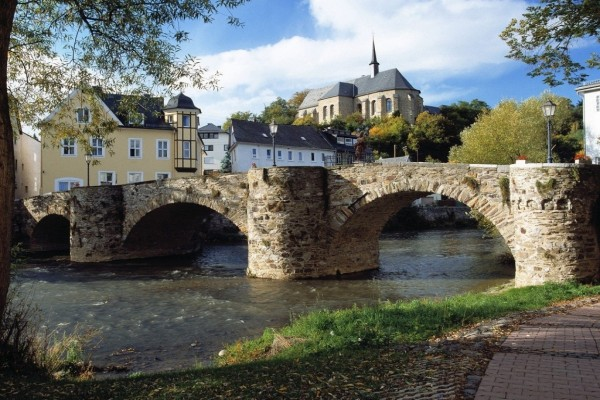 Puente de piedra (Alemania)