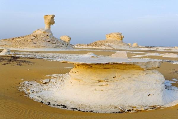 El desierto Blanco, en la depresión de Farafra (Egipto)