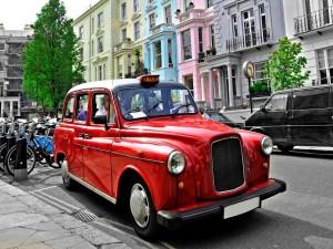 Postal: Un taxi rojo en Londres
