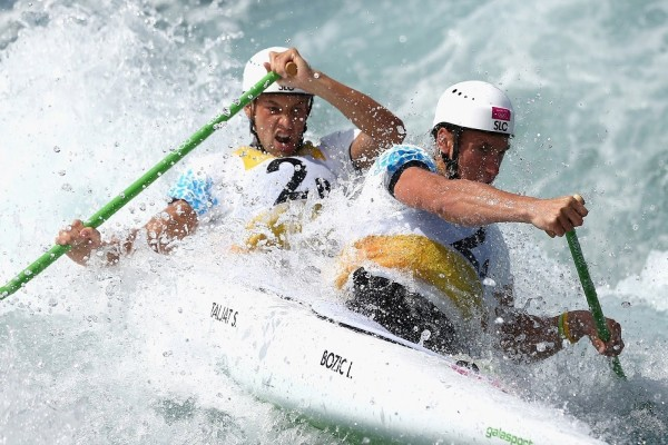 Luka Bozic y Saso Taljat en canoa doble (C2)